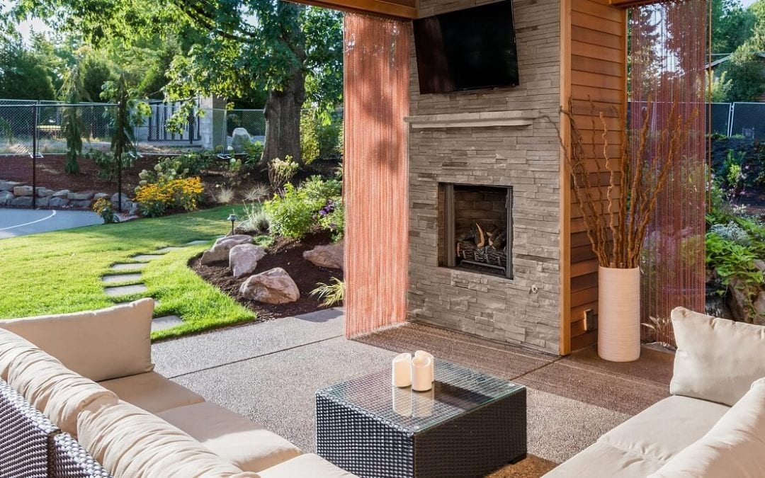 4 Different Types of Outdoor Furniture